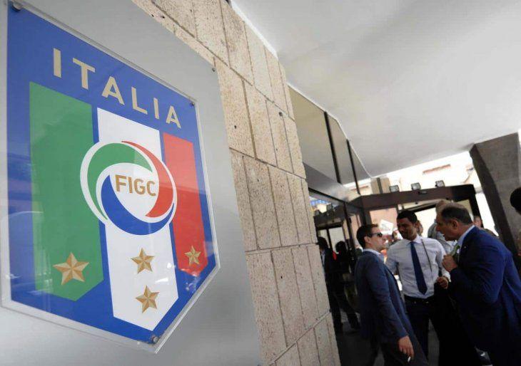 Italia estudia presentar candidatura para Eurocopa 2028 o Mundial 2030.