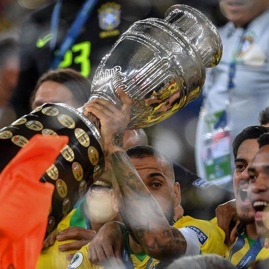 El trofeo de la Conmebol Copa América.