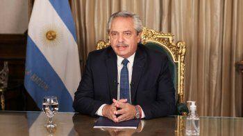 Alberto Fernández fue el primer presidente en funciones en reconocer el triunfo de Pedro Castillo, que el martes ya se autoproclamó ganador, según cálculos internos de su candidatura, de las elecciones.