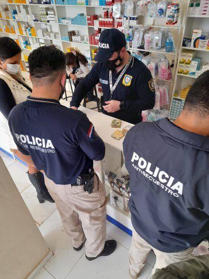La Fiscalía y Policía Antisecuestro realizó allanamientos y detuvo a la propietaria de una farmacia en Herandarias