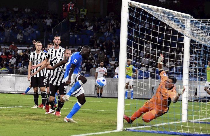 Napoli derrotó a Juventus