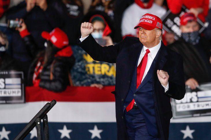Facebook anunció que vetará por dos años al ex presidente de Estados Unidos Donald Trump