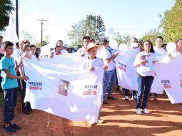 Aproximadamente 300 personas caminaron por las calles de Puentesiño, en el Departamento de Concepción, portando remeras, globos, banderines blancos, para pedir fin de la violencia y que sea esclarecido el caso del joven Jorge Manuel Ríos, de 23 años