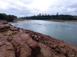 Los ríos Paraguay y Paraná son utilizados para el 80% de la importación y exportación del Paraguay, por lo que el impacto económico de la bajante es inevitable.