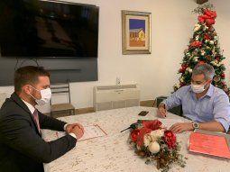 El presidente Mario Abdo promulgó la ley que aprueba que el Estado paraguayo contraiga más deudas para reactivar la economía tras la pandemia del Covid-19.