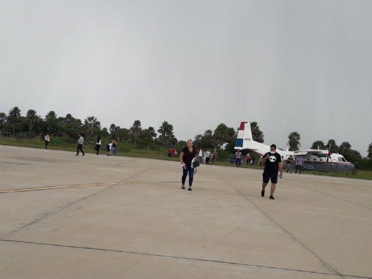 El perro salió a la pista del aeropuerto de Fuerte Olimpo