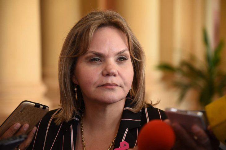 La senadora Lilian Samaniego defendió este martes la reelección de Óscar Cachito Salomón como presidente del Congreso y criticó a sus colegas de Honor Colorado.
