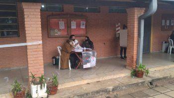 En el Departamento de Caaguazú se tuvo por un lado una escaza participación en los locales asignados al Partido Liberal Radical Auténtico y un mayor movimiento en los de la Asociación Nacional Republicana, con discusiones de por medio que no pasaron a mayores.