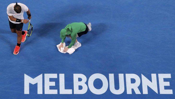 Tenistas deberán hacer cuarentena antes del Abierto de Australia.