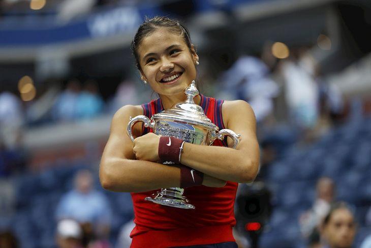 La británica Emma Raducanu campeona del Abierto de Estados Unidos.