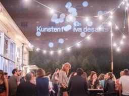Tras tiras y aflojas con las autoridades de Bruselas, los organizadores del Kunstenfestivaldesarts reinventan este evento internacional de artes escénicas para celebrar su cita anual pese a las restricciones.