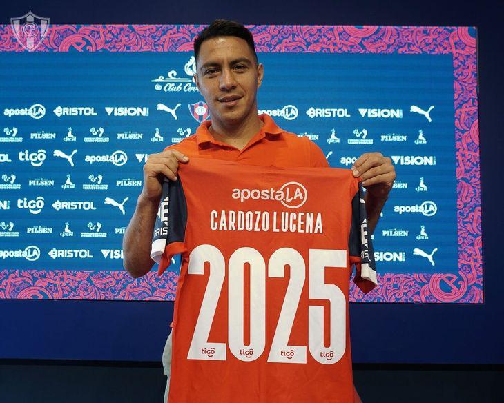 Ángel Cardozo Lucena renovó contrato con Cerro.
