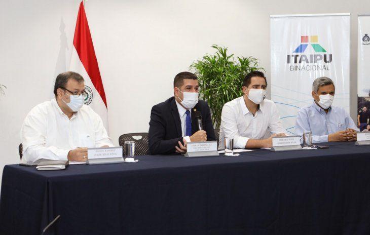 La Itaipú binacional lanzó este viernes la Convocatoria 2021 para la concesión de becas universitarias a jóvenes estudiantes de escasos recursos de todo el país.