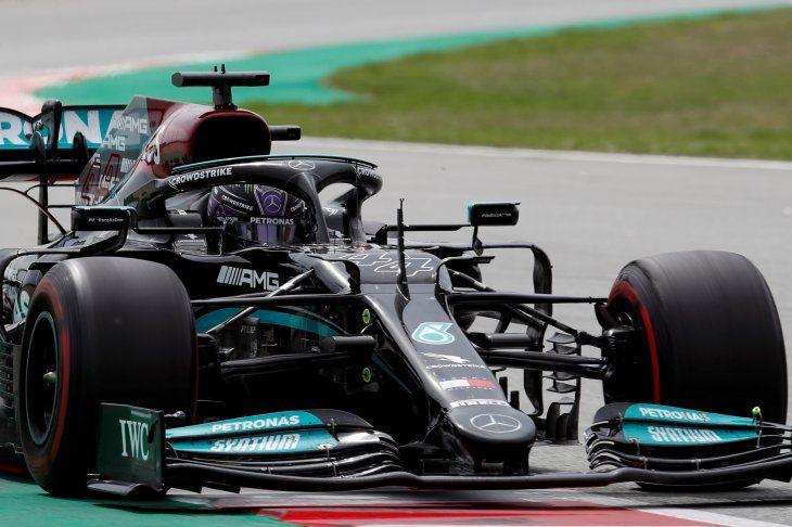 El piloto británico de Mercedes Lewis Hamilton durante el Gran Premio de España de Fórmula Uno que se disputó este domingo en el Circuito de Barcelona-Cataluña.