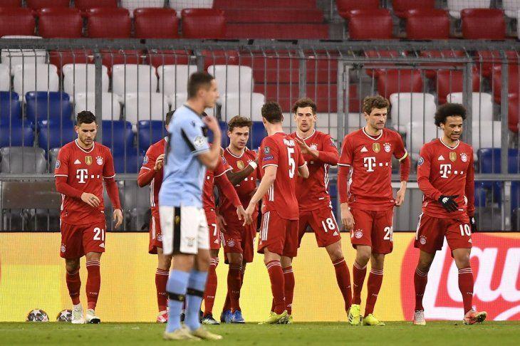 El Bayern cumplió y avanzó a cuartos.