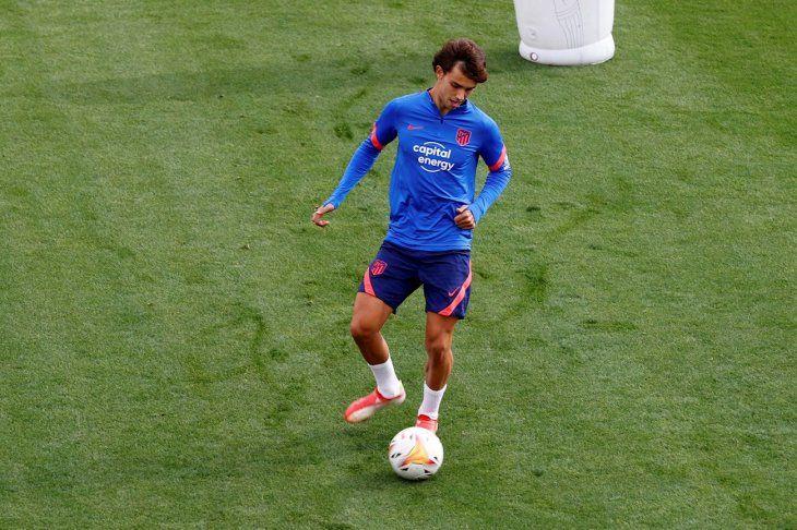 El delantero portugués Joao Félix durante el entrenamiento del cuadro Rojiblanco.
