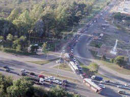 Arterias. En las arterias principales de Asunción y Central se observa un gran flujo de tráfico diario con largas filas a falta de alternativas para los conductores.
