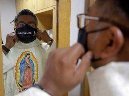 En la ciudad mexicana de Puebla surgió el padre Cheke, un sacerdote que evangeliza y mantiene cercanía con los católicos y no católicos a través de las redes sociales.