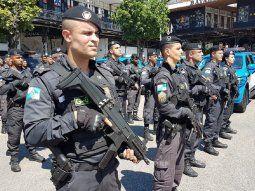 La movilización de 1.000 policías tiene como objetivo garantizar la seguridad de los aficionados que acudirán al estadio, de los habitantes en sus alrededores y de los turistas que recibió la ciudad de Río de Janeiro.