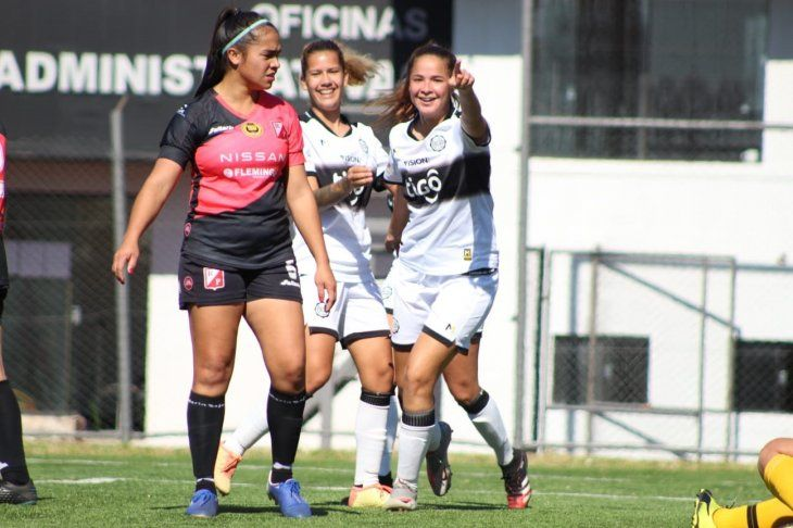 Olimpia goleó por 6-0 a River Plate en el cierre de la quinta fecha del Torneo Clausura de Fútbol Femenino