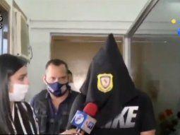 Cristian Cabañas, a las 9.00 de este viernes, salió de la Penitenciaría Nacional de Tacumbú, sin embargo, solo pudo caminar por algunos pasos ya que la Policía Nacional ya lo estaba esperando fuera del penal.