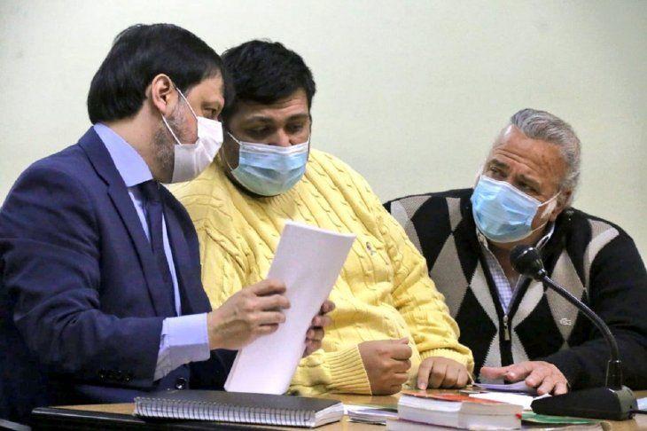 Fiscalía pide millonarios comisos en juicio contra González Daher e hijo