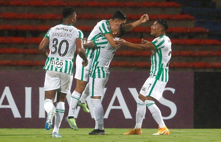 Atlético Nacional dejó en el camino a Guaraní y ahora medirá a Libertad.