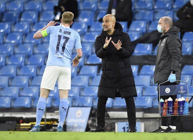 Guardiola se mostró feliz por el triunfo del City.