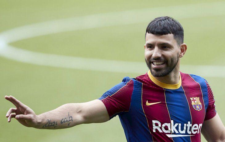 Sergio Agüero: Yo creo que Messi seguirá en el Barça