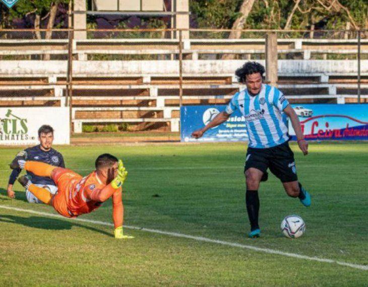 Letal. Éver Cantero es carta de gol para el DT Duarte.