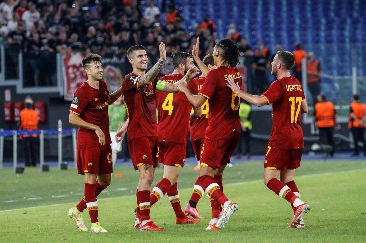 Roma venció por un contundente 5-1 al CSKA Sofia en su estreno en la fase de grupos de la Europa League.