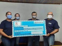 Los bomberos voluntarios de la localidad de Fram, Departamento de Itapúa, recibieron más de G. 200 millones recaudados en la Comilona realizada en diciembre del 2020.