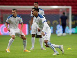 Apuntan a más. Gustavo Gómez, Braian Samudio y Héctor Martínez tuvieron buen desempeño en la victoria ante Chile. Los tres pueden volver a repetir la titularidad ante los charrúas.