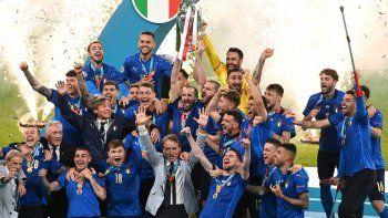 Invicta. No perdió ningún partido y arrastra otros tantos sin conocer la derrota. Italia fue una justa campeona y festeja a lo grande su segunda Euro.