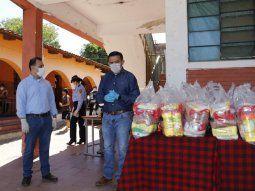 El ministro de Educación, Eduardo Petta, anunció que los kits de alimentos entregados en reemplazo del almuerzo escolar serán repartidos solo a los padres que presenten las tareasde los estudiantes hechas.