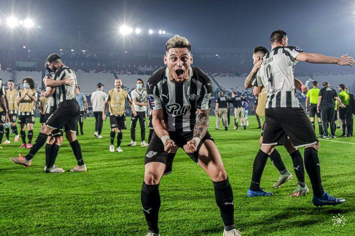 Libertad enfrenta a Bragantino en el partido de ida de semifinales de la Copa Sudamericana.