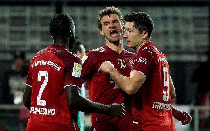 El Bayern Münich refrendó este viernes el liderado de la Bundesliga al derrotar por 1-3 al colista Fürth.