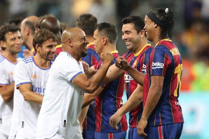 Real Madrid venció a Barcelona en el clásico de leyendas.