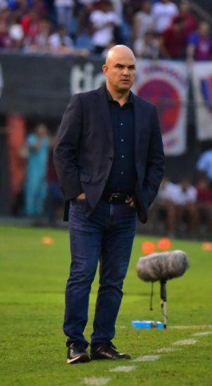 Fernando Jubero volverá al país para dirigir a Guaraní.