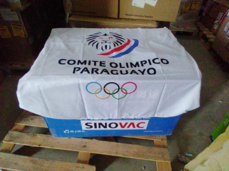 Paraguay recibe vacunas contra el coronavirus para delegación olímpica.